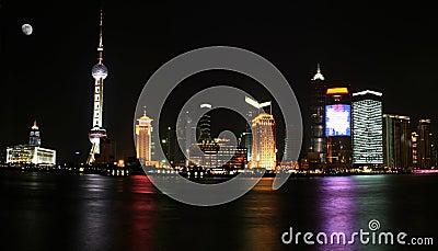 Pudong widok Shanghai nocy