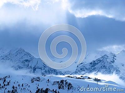 Pueblo de montaña austríaco