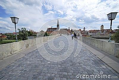 Puente de piedra de Regensburg Imagen de archivo editorial