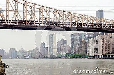 Puente de Queensboro y la O.N.U