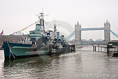 Puente y HMS Belfast, Londres de la torre.