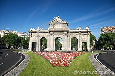 Puerta de Alcala monument