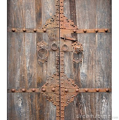 perfect top puerta de madera antigua con el bronce with puerta antigua de madera with puerta antigua de madera - Puertas De Madera Antiguas