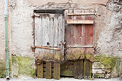 Puertas de madera viejas en francia fotograf a de archivo - Puertas viejas de madera ...