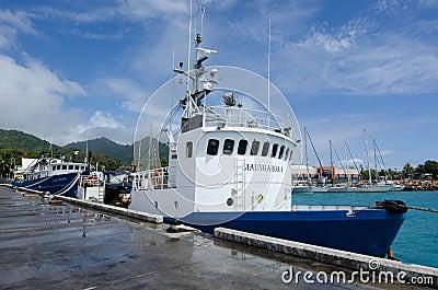 Puerto de Avatiu - isla de Rarotonga, cocinero Islands Foto de archivo editorial