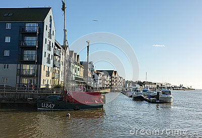 Puerto de Littlehampton, costa de Sussex Foto editorial
