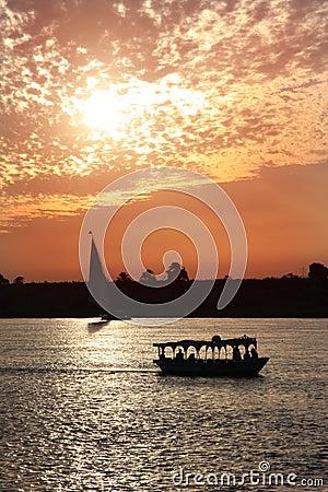 Puesta del sol del Nilo