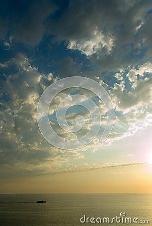 Puesta del sol en el océano