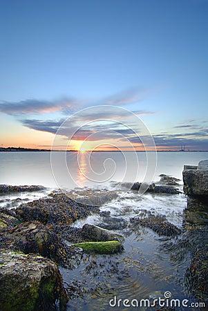 Puesta del sol en la bahía de Dublín