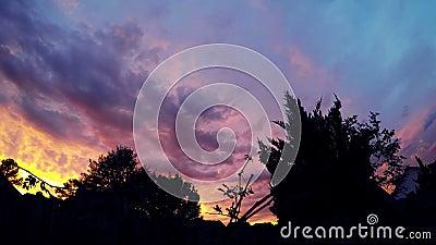 Puesta del sol hermosa TimeLapse 4K de las nubes almacen de video