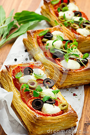 Free Puff Pastry With Tomatoes And Mozzarella Stock Photography - 65351702