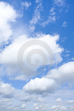 Free Puffy Clouds Royalty Free Stock Photography - 15286307
