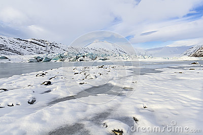 Puffy couds and Snow at Heinabergs Glacier