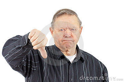 Pulgares del viejo hombre abajo