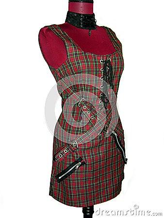 Punkplaid-Kleid auf Mannequin