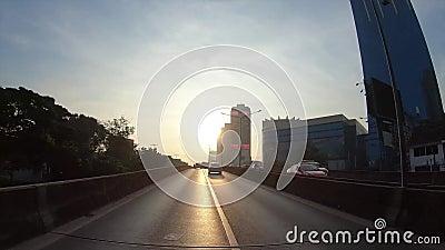 Punkt widzenia upływu hyperlapse przez drogi w ranku, Bangkok, Tajlandia zbiory