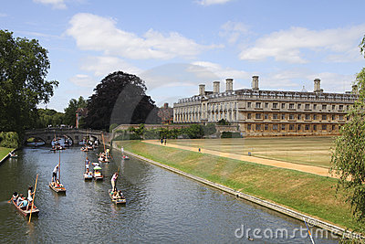 Punter boats passing King s college in Cambridge Editorial Photography