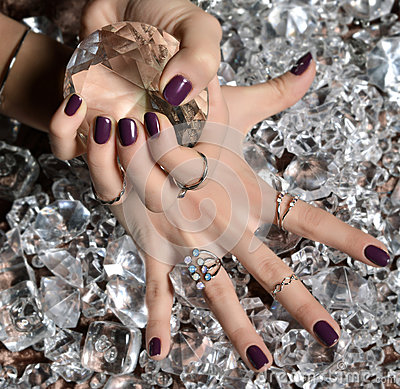 Free Purple Pattern Polish Nails And Silver Stacking Rings And Bracel Royalty Free Stock Images - 65632189