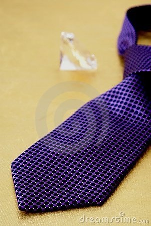 Free Purple Tie And Diamond Royalty Free Stock Photography - 1182347