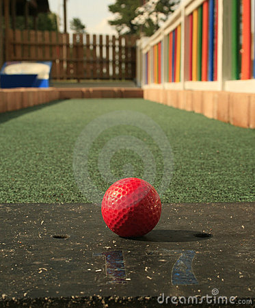 Free Putt-Putt Golf Royalty Free Stock Images - 2540949