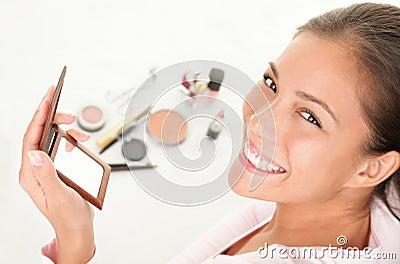 Putting makeup