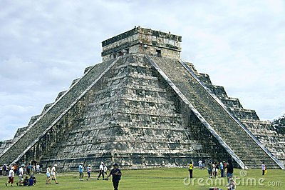 Pyramid Chichen Itza side view