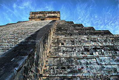 Pyramid of Kukulcan. Chichen Itza. Mexico