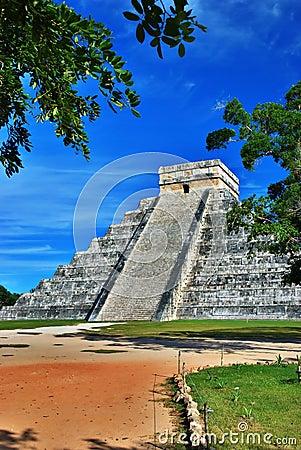 Pyramid of Kukulcan, Chichen Itza, Mexico