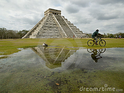Pyramid of Kukulkan in Chichen Itza Editorial Stock Image