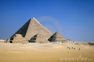 Pyramides à cheval