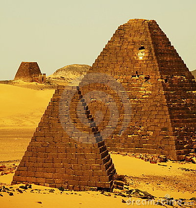 Free Pyramids In Sudan Royalty Free Stock Photos - 12881588