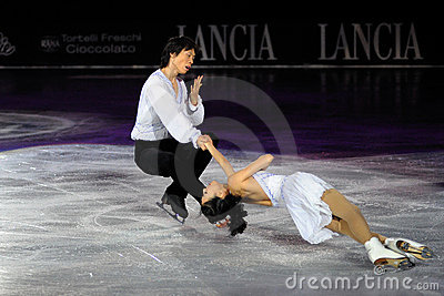 Qing Pang and Jian Ton ice skater at 2010 Ice Gala Editorial Stock Image