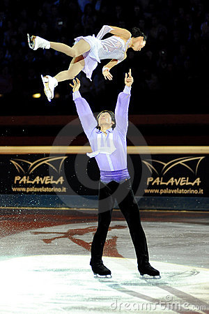 Qing Pang and Jian Tong at 2011 Golden Skate Award Editorial Image