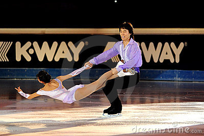 Qing Pang and Jian Tong at 2011 Golden Skate Award Editorial Stock Image