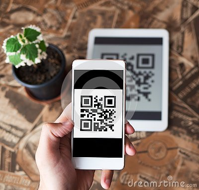 Free QR Code Payment Transaction Using Mobile Smartphone And Tablet Devices Stock Photo - 132001640