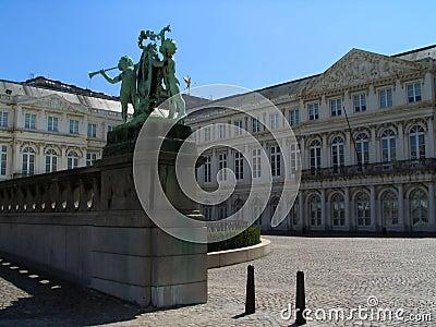Quadrado do museu de Bruxelas.