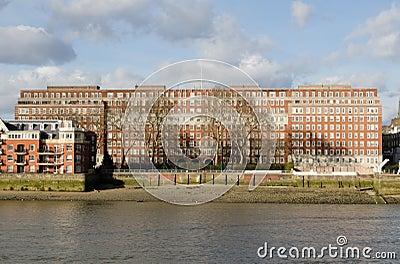 Quadrato del delfino, Londra