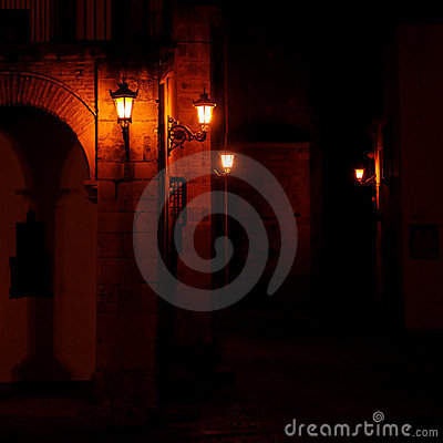 Free Quaint Dark Street Royalty Free Stock Images - 17793099