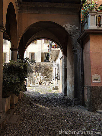Free Quaint Italian Town Alley Stock Image - 1353871