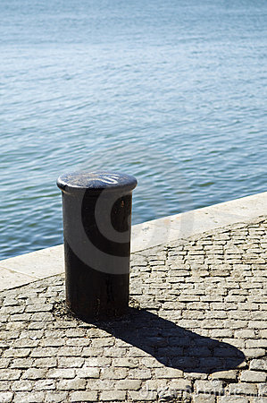 Free Quayside Bollard Royalty Free Stock Images - 3736359