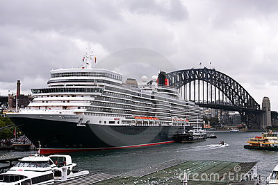 Queen Elizabeth cruise ship in Sydney Harbour. Editorial Photography
