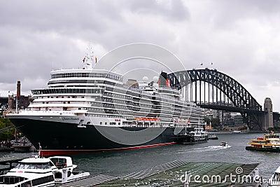 Queen Elizabeth Cruise Ship In Sydney Harbour Editorial