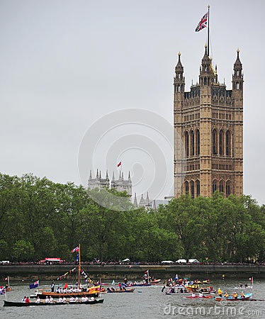 Queen Elizabeth River Pageant Editorial Stock Image