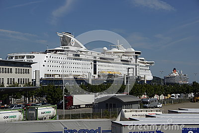 The Queen at Kiel Editorial Stock Image