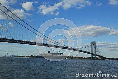 Queen Mary 2 cruise ship in New York Harbor under Verrazano Bridge heading for Transatlantic Crossing from New York to Southampton Editorial Stock Image