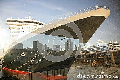 Queen Mary in new-york harbor