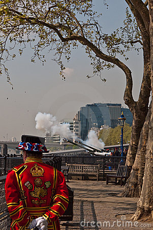 Queen s Birthday Gun Salute, Tower of London Editorial Photo