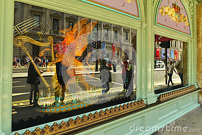 Queen s Diamond Jubilee - shop window Editorial Image