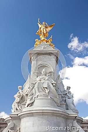 Queen Victoria Memorial Statue