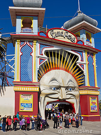 Queue to enter Luna Park, Melbourne. Editorial Stock Photo